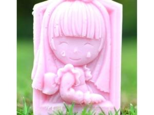 jabón niña feliz